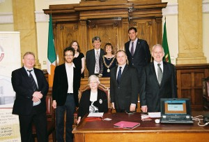 L-R (rear) Eileen O'Brien, County Librarian, Liam Ronayne, City Librarian, Lord Mayor Catherine Clancy, Cllr. Kieran McCarthy (front) Peter McDonnell, Archives Attendant, Timmy O'Connor, Deputy Archivist, Claire Murphy, Senior Library Assistant, Brian McGee, Chief Archivist, Michael Higgins, Archives Clerical Assistant